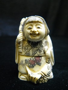 Picture of ANTIQUE BONE JAPANESE NETSUKE (N065)