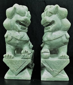 "Picture of Pair of 10"" green jade foodogs (HJ023)"